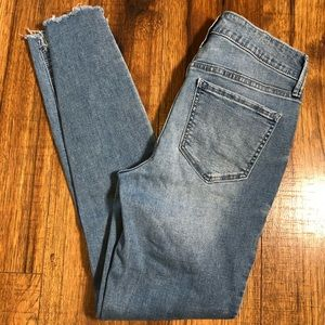Old Navy mid rise rockstar frayed ankle jeans sz 0